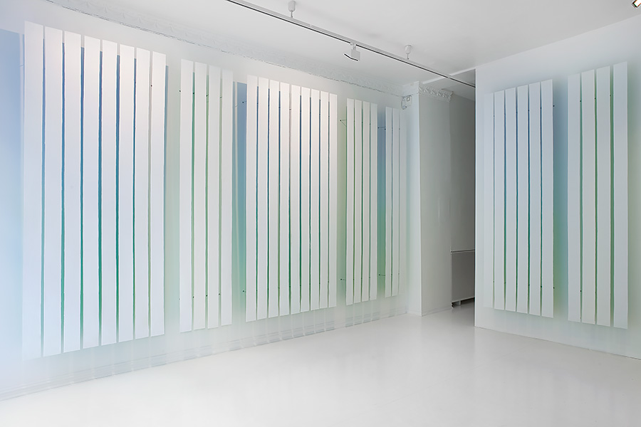 within white, SOFT galleri, Oslo, 2013. Photo: Øystein Thorvaldsen