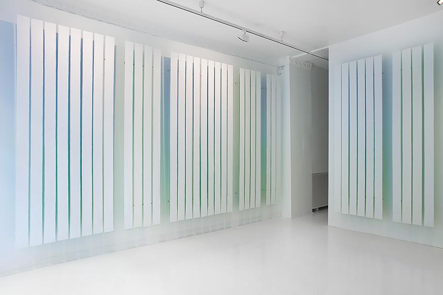 within white, SOFT galleri, Oslo, 2013. Photo: Øystein Thorvaldsen